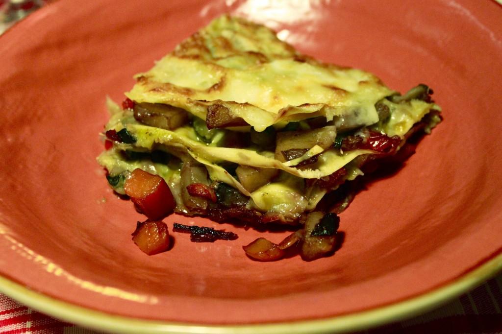Lasagna di verdure brasate e besciamella al pistacchio